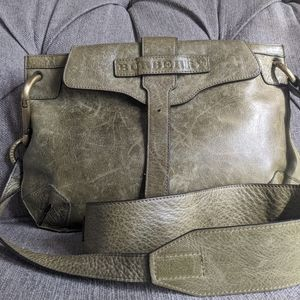 Burberry crossbody in distressed  leather